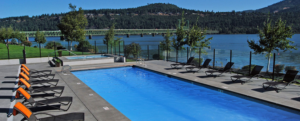 Hood River Inn Pool